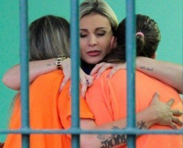 The solitary life of many prisoners has been halted by a surprise visit from Andressa Urach (Brazilian TV presenter)